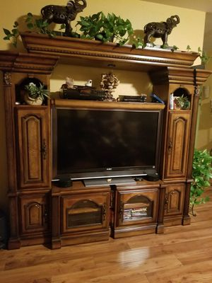 Tv stand brown for Sale in Las Vegas, NV