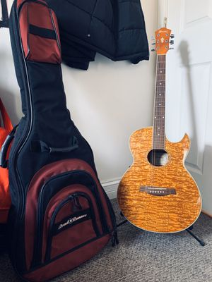 Acoustic Guitar with Stand And Carrying case for Sale in Chicago, IL