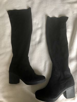 Black over-the-knee boots for Sale in Arlington, VA