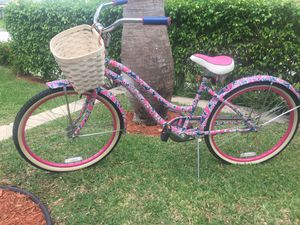 Lilly Pulitzer bicycle for Sale in West Palm Beach, FL