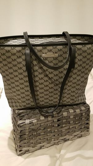 Michael Kors Tote Bag for Sale in Downey, CA
