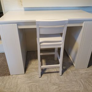 Bedford Project / Arts & Crafts Table & Chair for Sale in Golden, CO