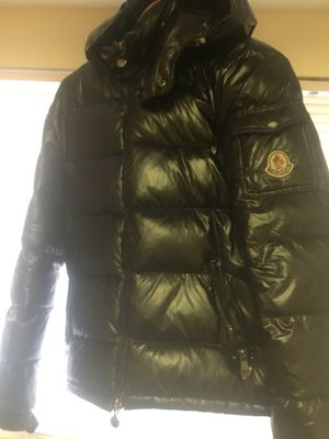 Men's Moncler Coat Medium Size 3 for Sale in Forest Heights, MD