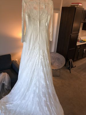 WEDDING DRESS AND VEIL FOR SALE!! for Sale in Chantilly, VA