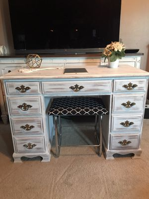 ❌PENDING❌$125 O.B.O Small Refinished solid wood desk for Sale in Stockton, CA
