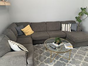Grey sectional couch for Sale in Menifee, CA