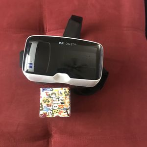Vr1 virtual reality headset for Sale in Frisco, TX