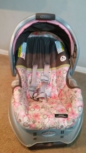 Graco infant car seat with base for Sale in Creve Coeur, MO