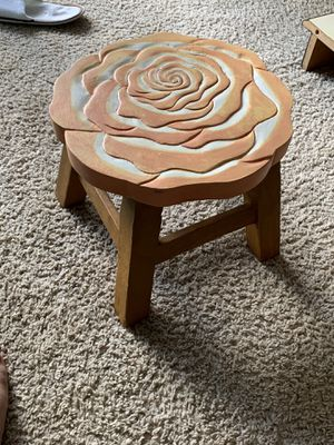 SMALL STOOL / Foot rest / table for Sale in Sugar Land, TX