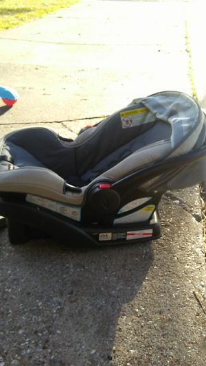 Graco Snugride 35 LX Car Seat for Sale in Houston, TX