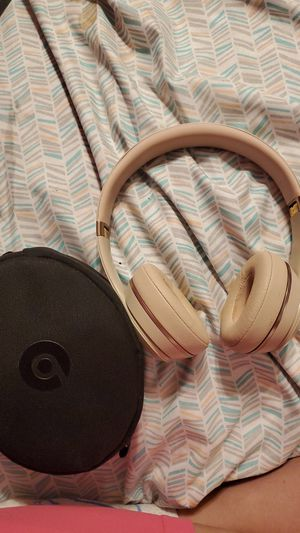 Rose gold solo 3 Beats for Sale in Denver, CO