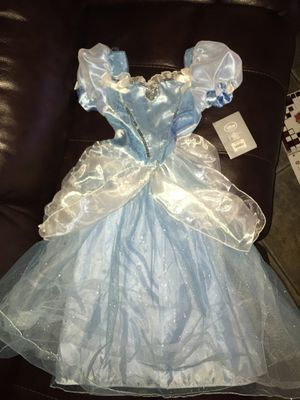 New Disney Store Cinderella size 5/6 for Sale in Tolleson, AZ