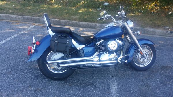 01 yamaha v star 650 cc in excellent condition $3500 (no trade.)
