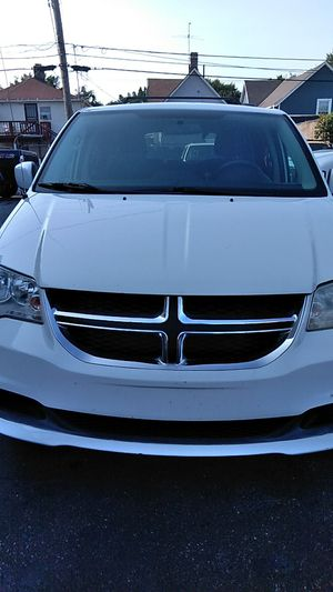 2012 Dodge Grand Caravan -White for Sale in Cleveland, OH