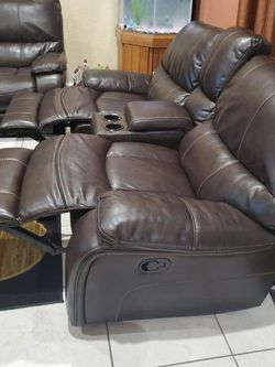 Leather Leaving Room Set for Sale in Hialeah,  FL