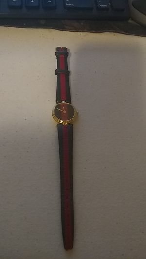 Vintage lady's Gucci watch for Sale in Warwick, RI
