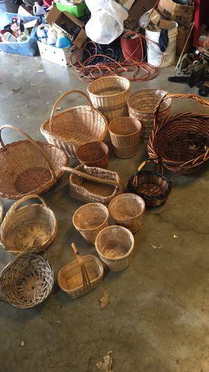 16 wicker basket for Sale in Murfreesboro, TN