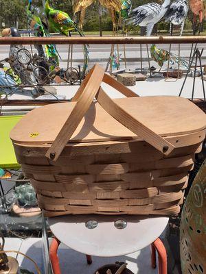 Nice picnic basket for Sale in Dunedin, FL