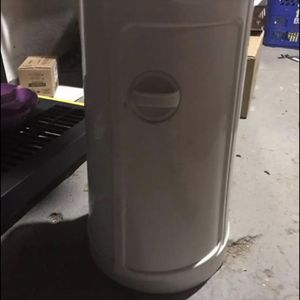 White Diaper Pale for Sale in Trenton, NJ