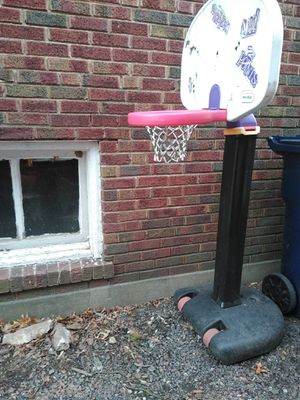 Basketball hoop 😎😜🏀🏀🏀🏀 for Sale in St. Louis, MO