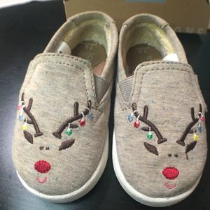 TOMS Reindeer Christmas shoes size 6 - girls - kids - baby - children - clothes for Sale in West Covina, CA