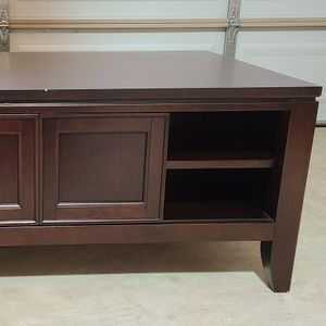 Coffee Table - Haverty's - Dark Brown Solid Wood for Sale in Alexandria, VA