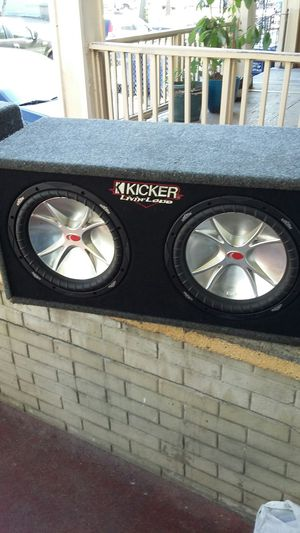 Kicker box with 12 inch speakers 800w works perfect for Sale in Buffalo, NY