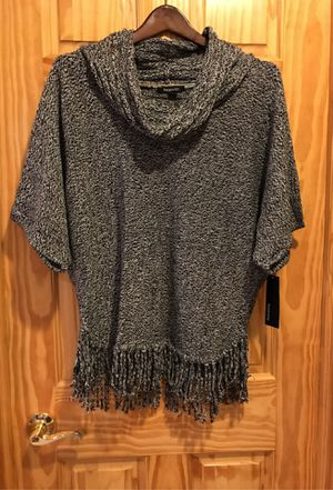 NWT Relatively women's poncho sweater size S for Sale in Morton Grove, IL