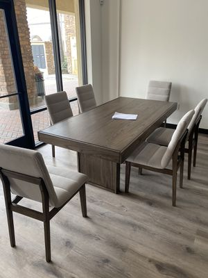 Dining table set ( include table and six chairs) for Sale in West Covina, CA
