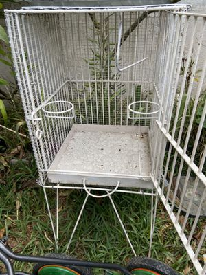 Large Bird Cage 42 inches tall for Sale in Cerritos, CA