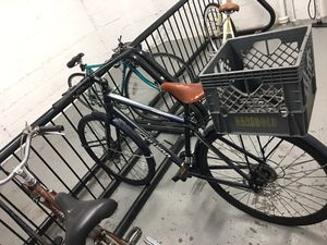 Schwinn commuter bike 21 speed w/ brooks saddle for Sale in Portland, OR