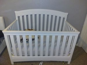 BABY CRIB/TODDLER BED for Sale in Orlando, FL