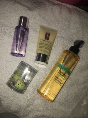 Makeup items for Sale in Victorville, CA