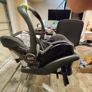 Britax B-Safe car seat for infants / kids for Sale in Queens, NY