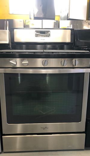 Whirlpool stove stainless steel $450 for Sale in San Fernando, CA