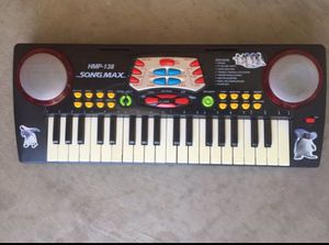Musical Keyboard for Sale in Waddell, AZ