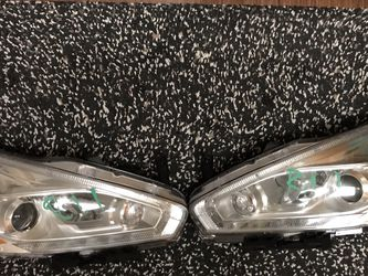 Nissan Murano 2017 Headlights Left And Right for Sale in Los Angeles,  CA
