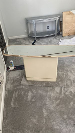 Mirrored Sofa Table for Sale in Mansfield, OH