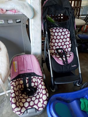 Car seat and stroller 15 for both for Sale in Watauga, TX