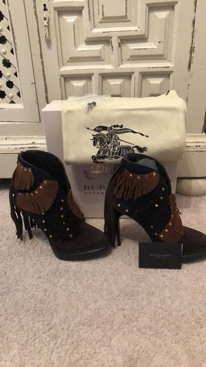 Burberry heeled ponytail boots offers welcome for Sale in Richmond, KY