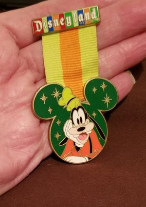 Disney Goofy trading pin for Sale in Wood Village, OR