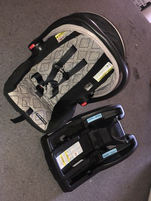 Graco Car seat & base for Sale in Valley View, OH