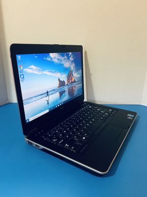 2015 Dell laptop  Core i7   500GB  DVD   Windows 10 Pro   8GB   Extended Battery + Charger for Sale in Homestead, FL