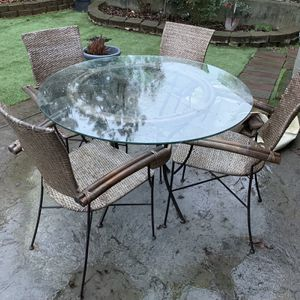 Old Pier 1 Table, Could Be Indoor Or Outdoor. $100. U Haul. for Sale in Snohomish, WA