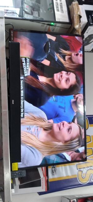 """43"""" LED TV W/SMART SurrounSound BAR for Sale in Los Angeles, CA"""