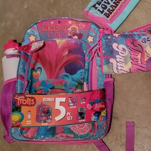 5 piece Trolls Backpack -NEW for Sale in Renton, WA
