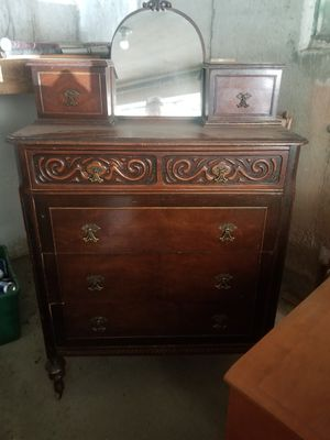 6 drawer antique bureau for Sale in Burlington, MA