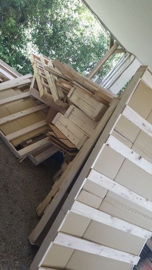 WOOD 1X4 PICKUP ONLY AMI PALLET/CRAFT/ART/REPURPOSE/FURNITURE/HOME Heat- Pressure Treated Wood for Sale in Holmes Beach, FL