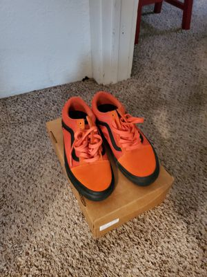 Black and orange vans 40$ never worn size 9 for Sale in Dallas, TX
