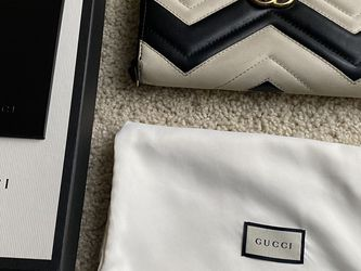 Authentic Gucci Long Wallet for Sale in Issaquah,  WA